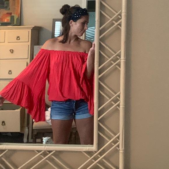 Elan Dresses & Skirts - Elan off the shoulder shirt/mini dress or tunic